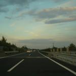 高速道路を車中泊で利用するメリット・デメリット